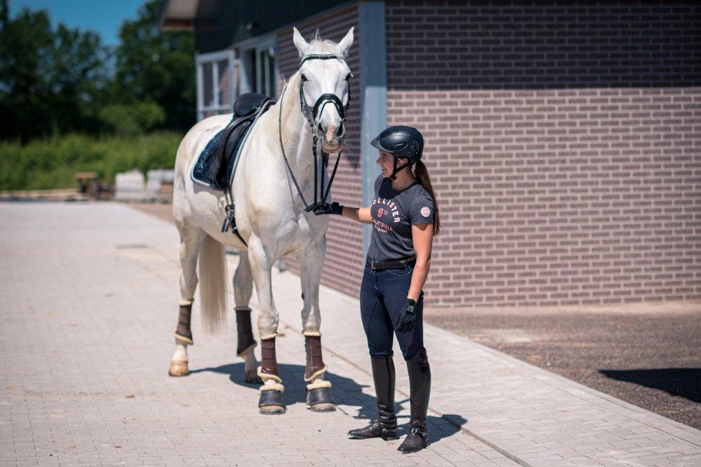 Wir bauen ein Zuhause für Reiter und Pferd