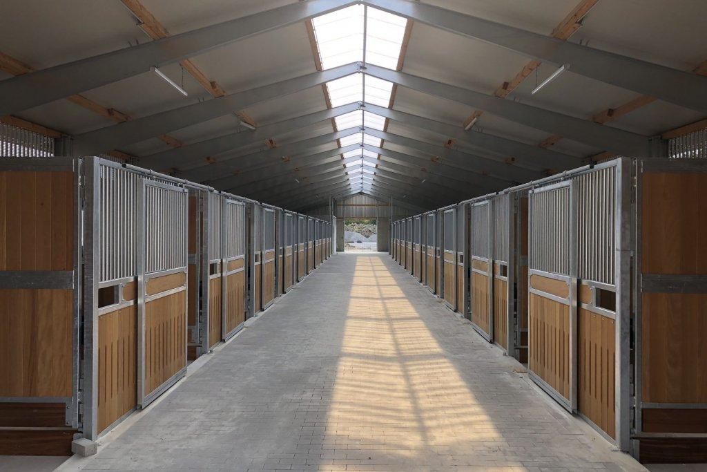 Pferdestall 2 Inneansicht Tor