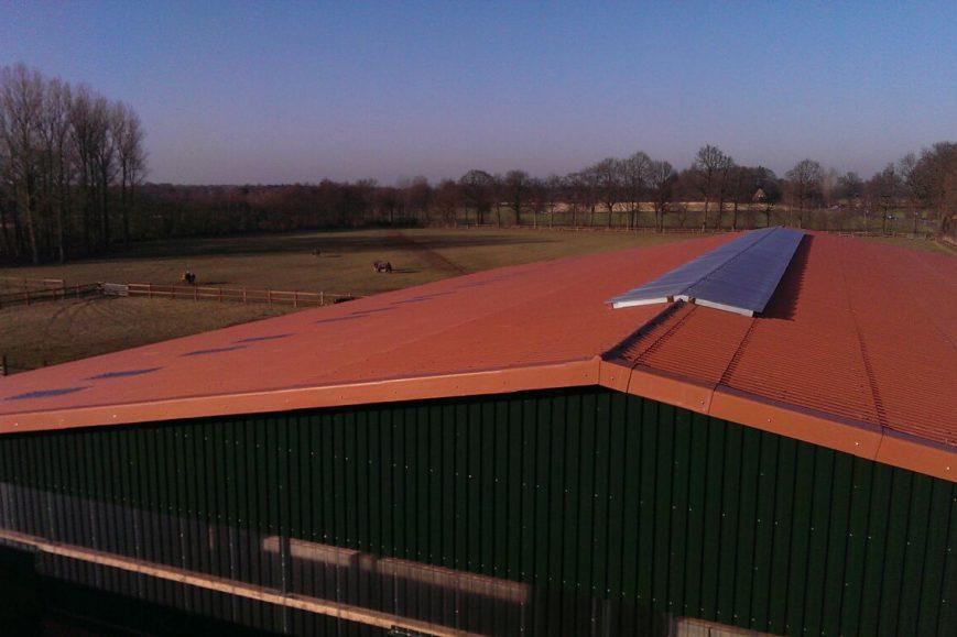 Dach Reithalle mit Lichtfirst